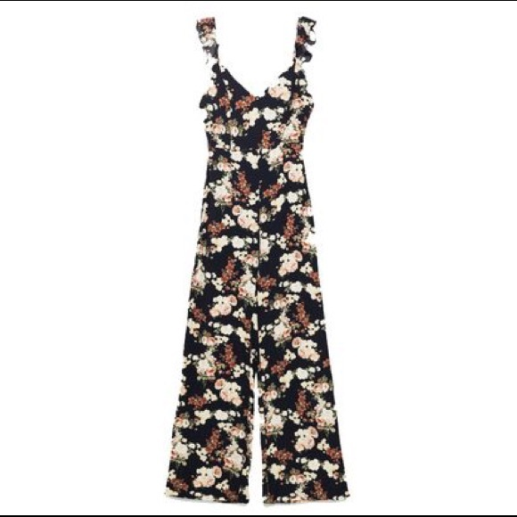 1a0dfff557 Zara Floral Open Back Long Jumpsuit Ruffle. M 5ac41dbe85e6058a72903cd7